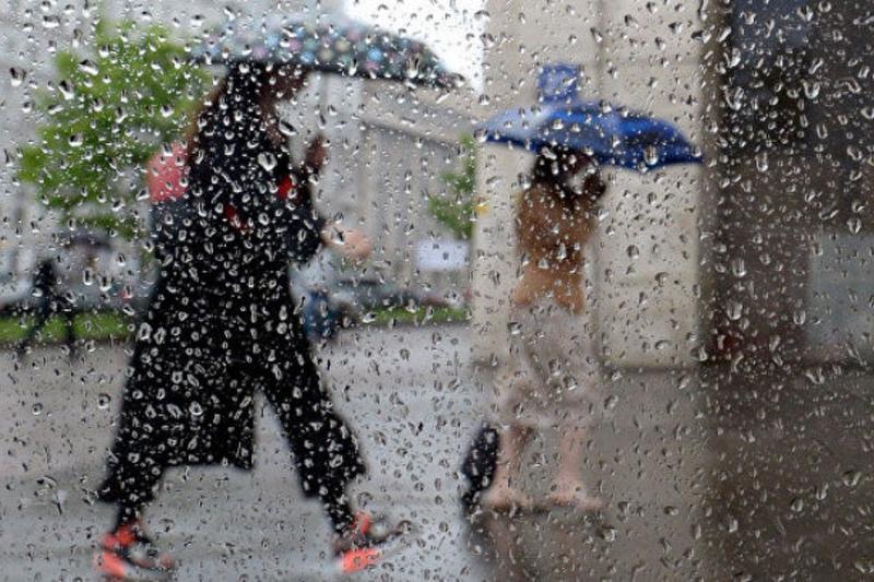 Астанада демалыс күндері нөсер жауын жауып, қатты жел соғады