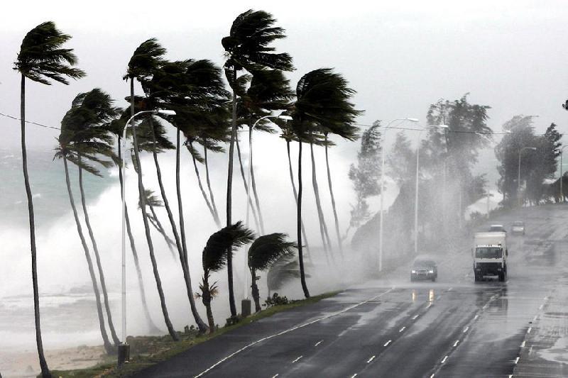Гавайи в напряженном ожидании урагана Лейн