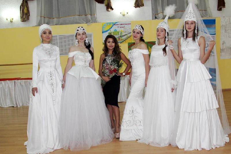 Коллекцию свадебных  платьев в национальном стиле показали  в Акмолинской области