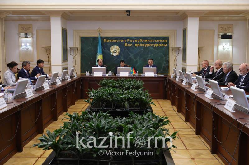 Adilbek Dzhaksybekov invites German prosecutors to Astana