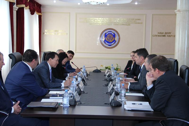 Kazakh Anti-Corruption Authority reps to upgrade skills at FBI