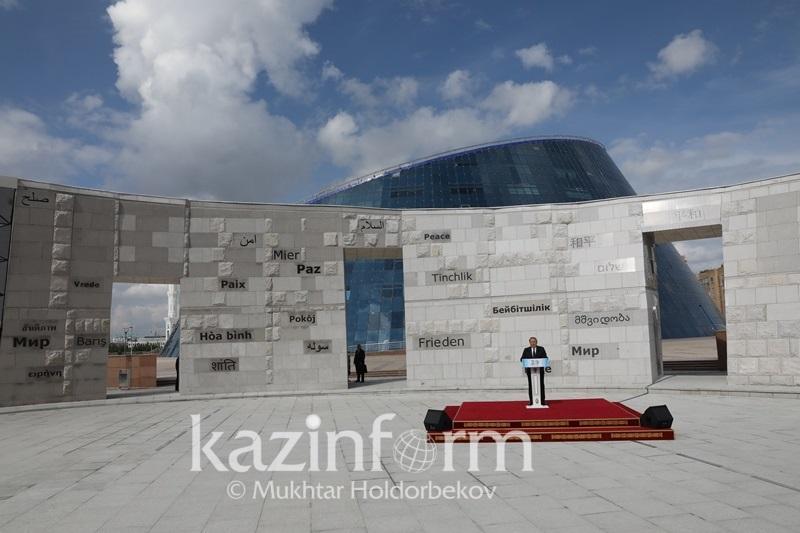 纳扎尔巴耶夫:哈萨克斯坦是反核武器领袖国家