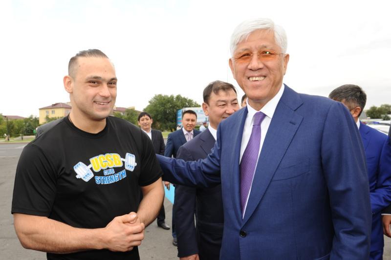 Илья Ильин талдықорғандықтармен бірге Конституция күнін тойлады