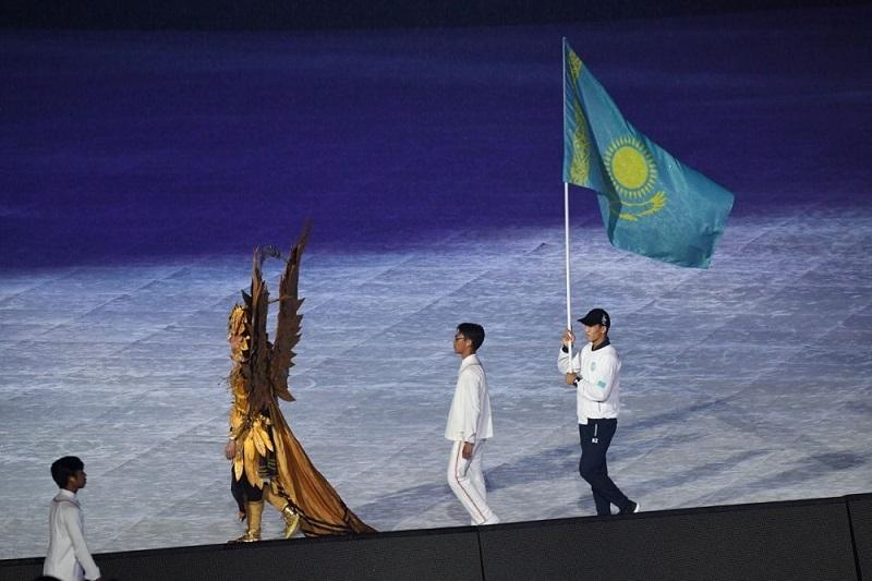 Сборная Казахстана приняла участие в церемонии закрытия Азиады-2018
