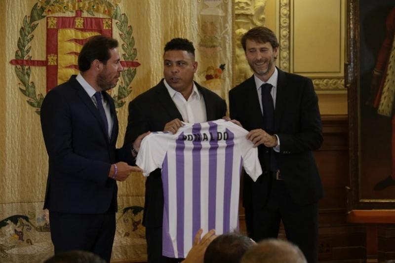 Роналдо «Вальядолид» клубының президенті атанды