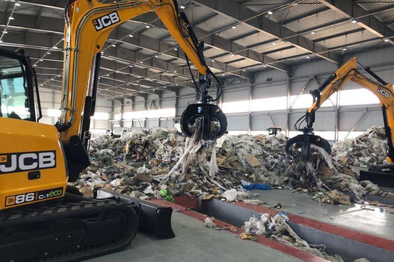 В Алматы запустили высокотехнологичный мусоросортировочный комплекс