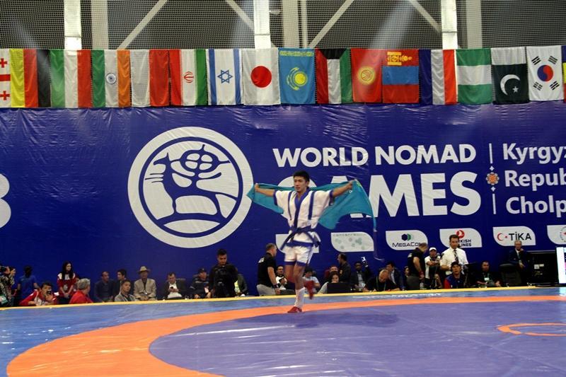 По итогам третьего дня на III ВИК Казахстан завоевал 13 медалей