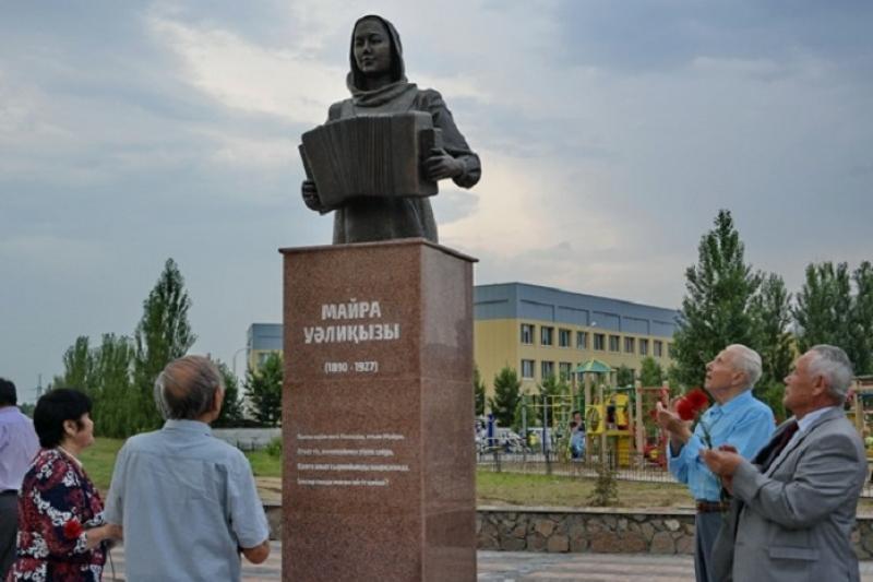 巴甫洛达尔州境内纪念碑将安排专人维护