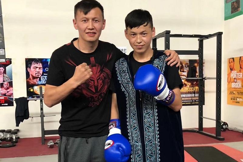 Қытайлық жанкүйерлер ағалы-інілі қазақ боксшыларды ағайынды Кличкоға теңеді