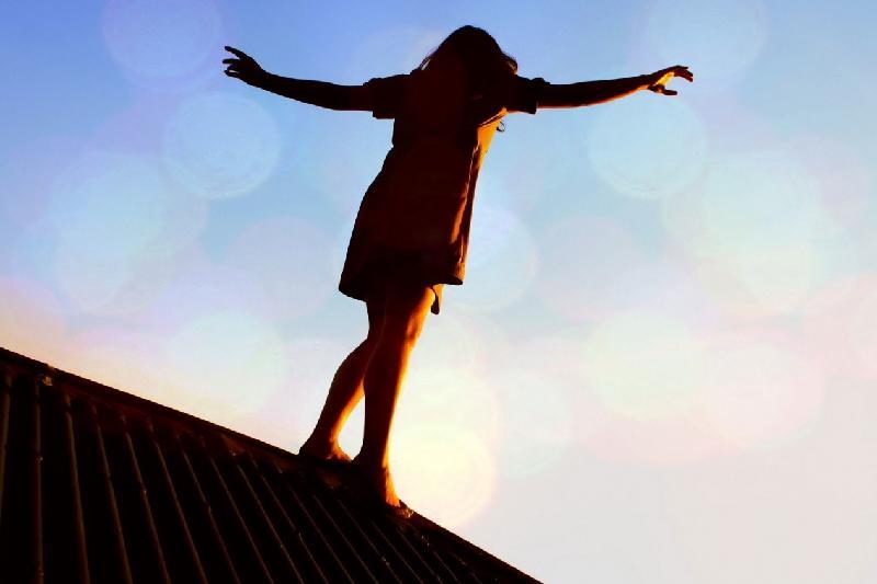 15-летние девочки спрыгнули с крыши пятиэтажки в Экибастузе