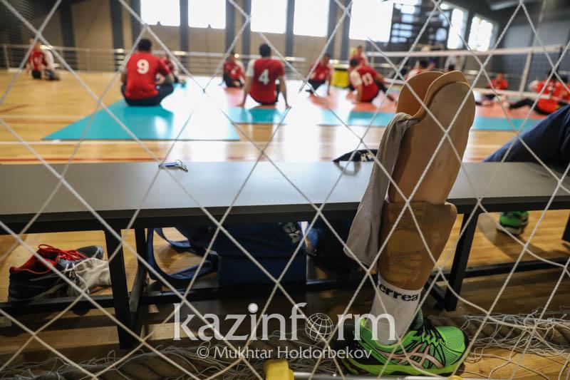 Сборная Казахстана по волейболу сидя будет бороться за лицензию на Паралимпиаду
