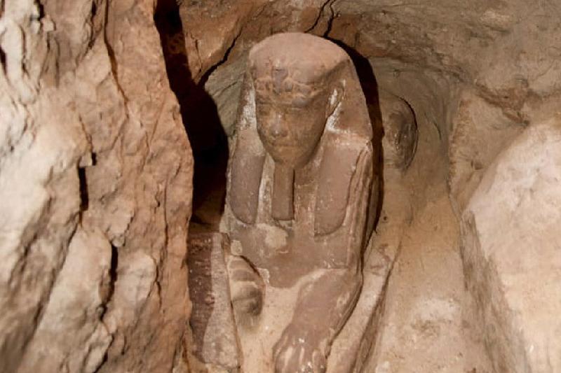 考古学家们在埃及南部发现狮身人面像