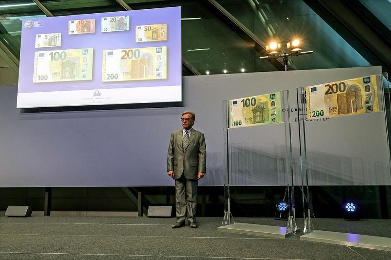 Центробанк Европы представил новые банкноты номиналом 100 и 200 евро