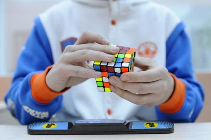 Кубик Рубика популяризируют в Павлодаре
