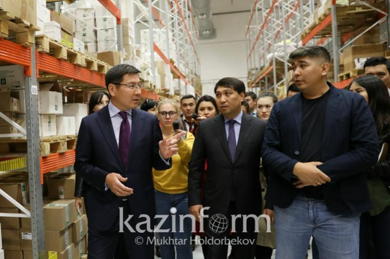 Astanada kásipkerlerge arnalǵan fýlfılment-ortalyq ashyldy