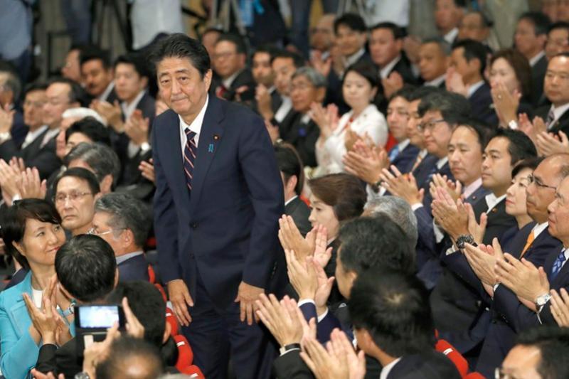 Синдзо Абэ переизбран премьер-министром Японии в третий раз