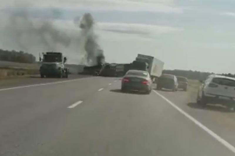 Автобус загорелся в СКО: погиб водитель