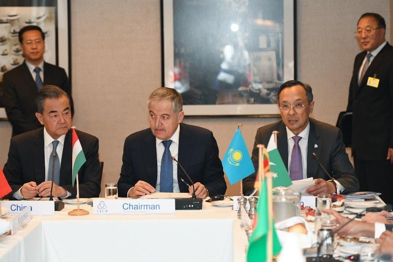 塔吉克斯坦接任亚信轮值主席