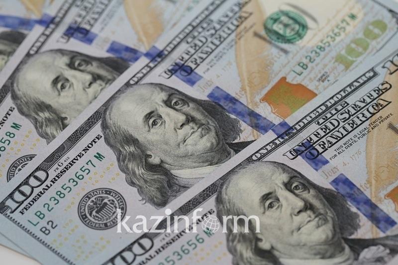 Сколько иностранной валюты купили казахстанцы в августе