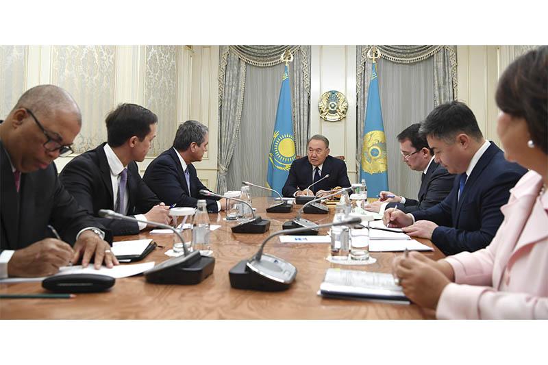 总统会见世界贸易组织总干事阿泽维多