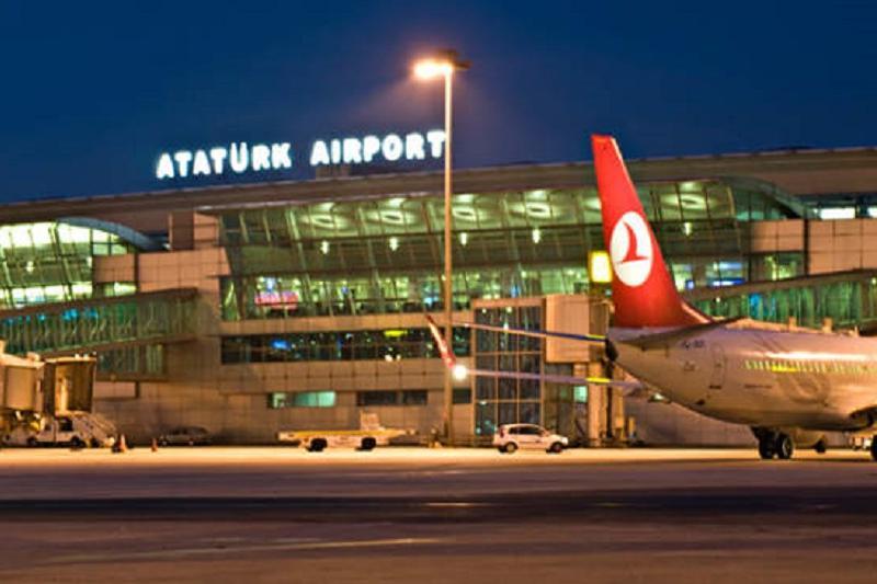 Казахстанец покончил с собой в аэропорту Стамбула
