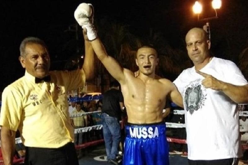 Муса Турсынгалиев добился очередной победы на профи-ринге