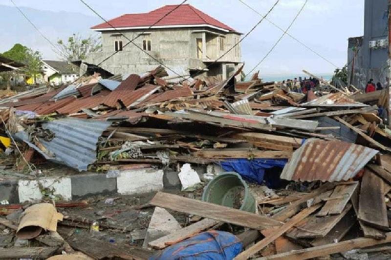 Более 380 человек погибли в результате землетрясения в Индонезии