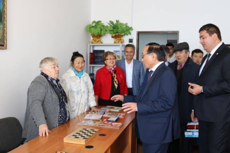 Astanada qarttarǵa arnalǵan 3 shaǵyn ortalyq ashyldy