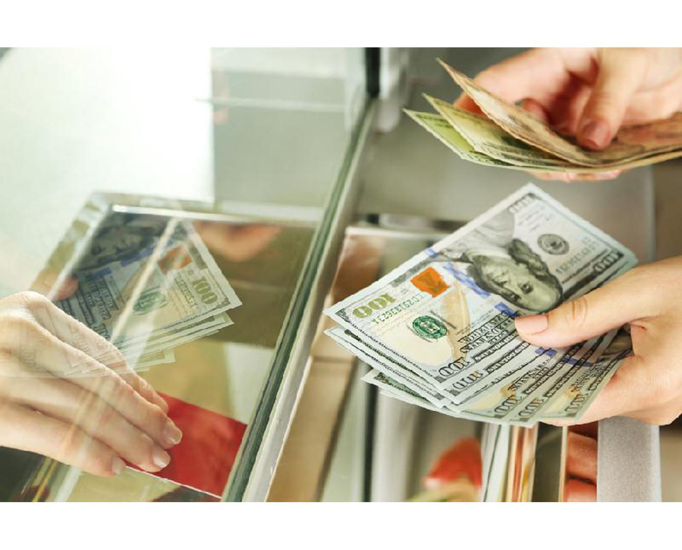 Казахстанцы стали больше пользоваться денежными переводами