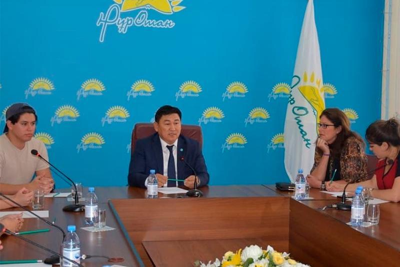 Волонтеры из США будут обучать английскому детей в Туркестанской области