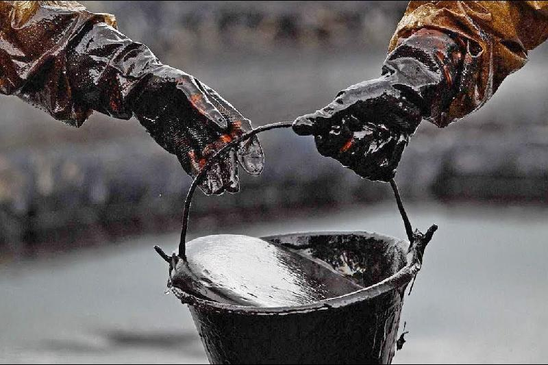 Нефть на 52 млн тенге похищена в Атырауской области