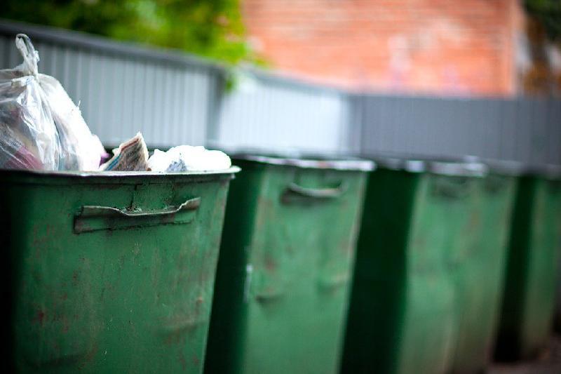 В Алматы на 60% подорожали услуги вывоза мусора
