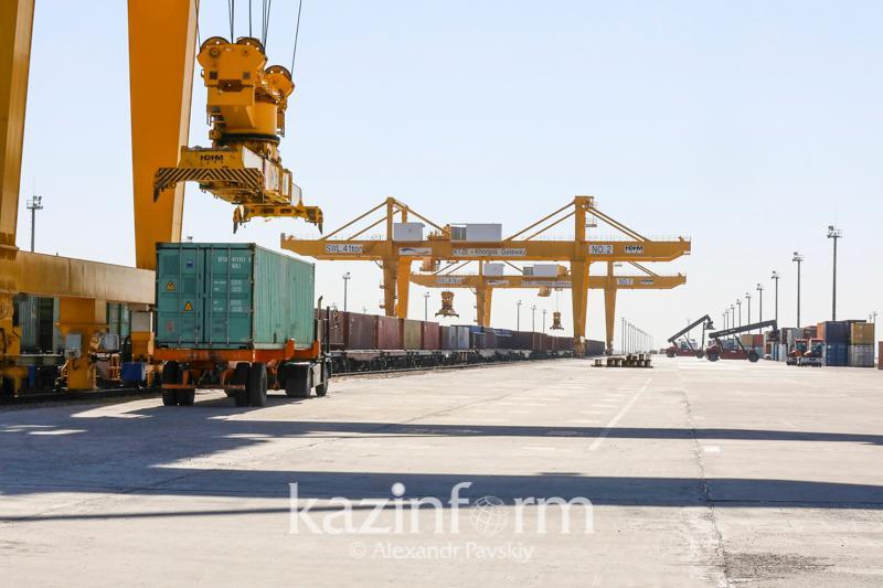 Иностранным дипломатам показали работу СЭЗ «Хоргос -Восточные ворота»
