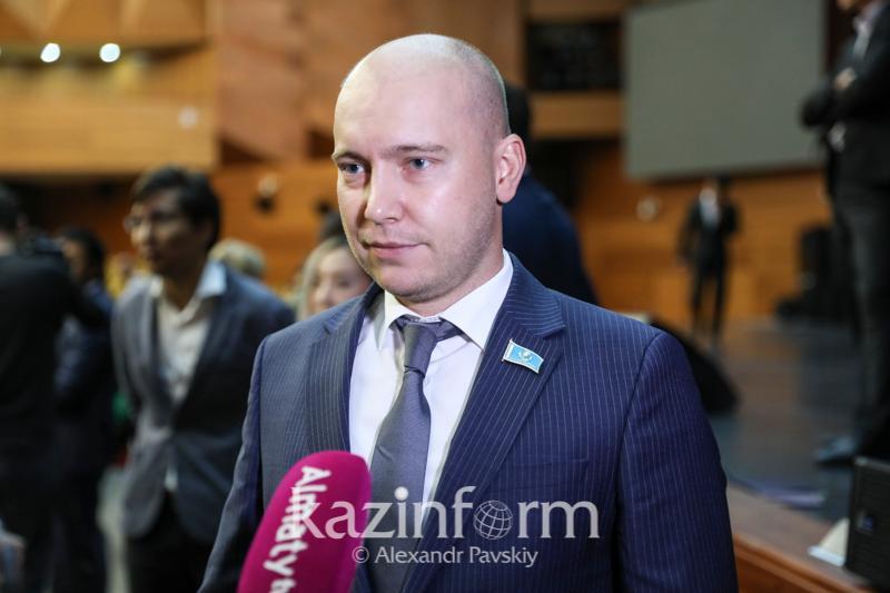 Повышение минимальной зарплаты окажет мультипликативный эффект - алматинские партийцы