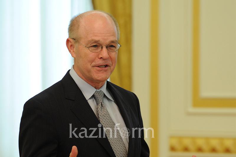 Казахстан протягивает руку всему миру - Уильям Вендли