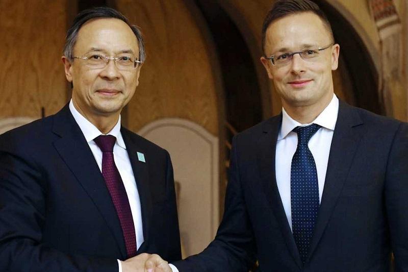 阿布德拉赫曼诺夫外长会见外国客人