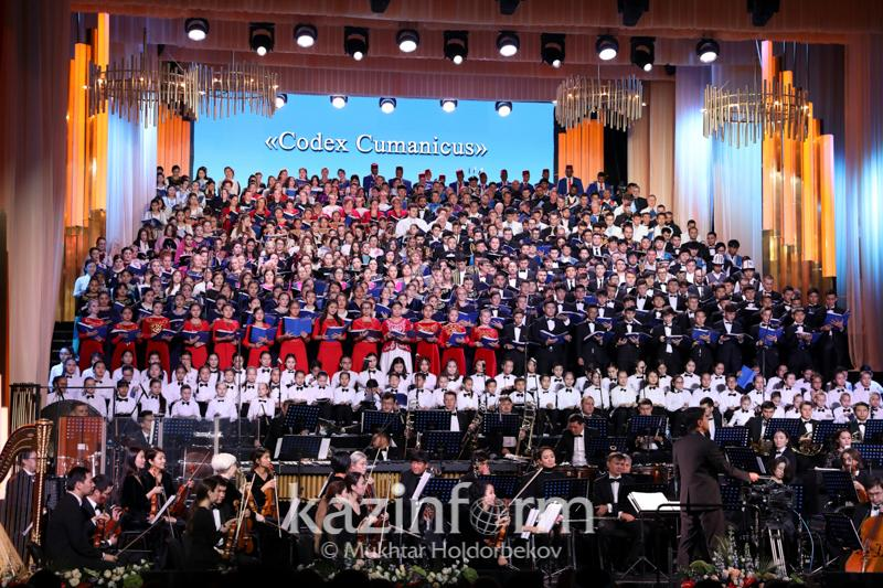 Global choir gives concert to wrap up 6th Congress of Religious Leaders in Astana