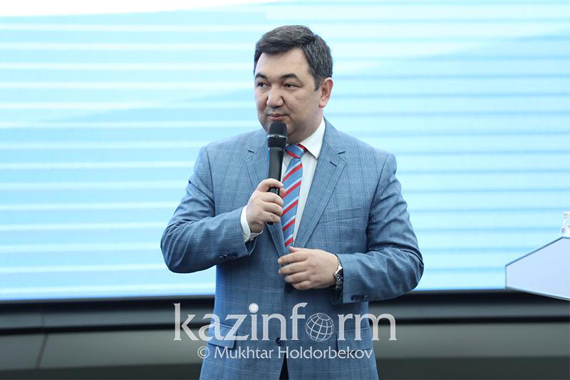 Дархан Кыдырали стал почетным профессором Ошского госуниверситета