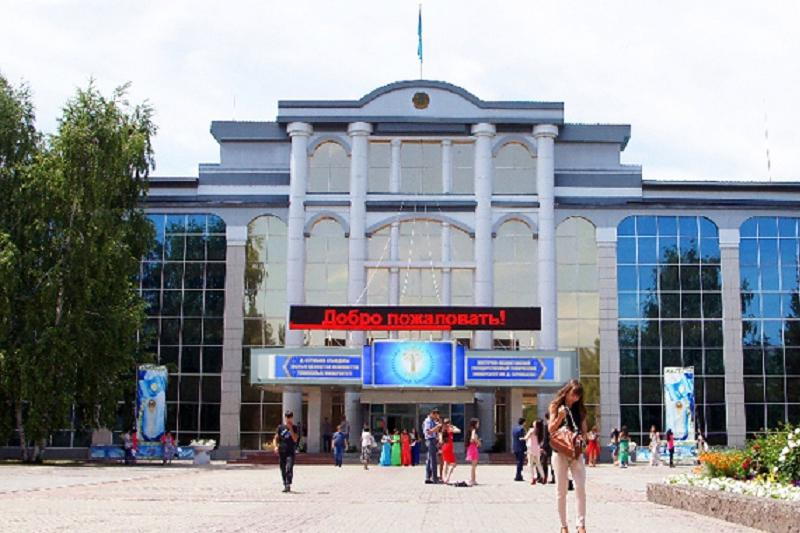 В Восточно-Казахстанском университете заявили о повышении зарплаты