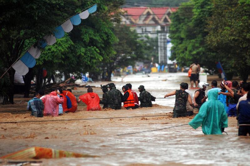 Индонезияда су тасқынында 12 бала көз  жұмды