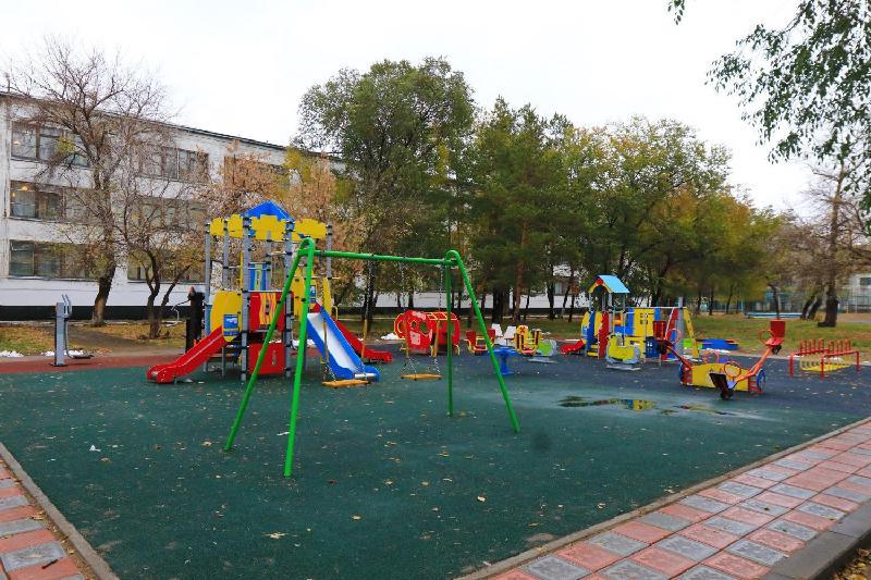 Детские площадки почти на 80 млн тенге установлены в 10 школах Павлодара