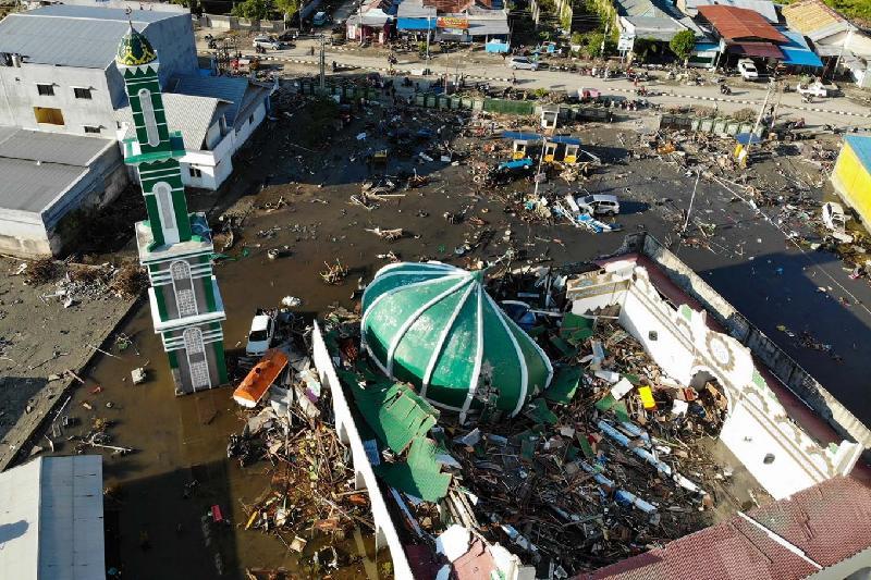 В $911 млн оценен ущерб от цунами и землетрясения в Индонезии