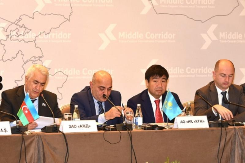 В Баку обсудили повышение эффективности Транскаспийского маршрута