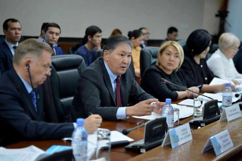 62 тысячи новых мест откроют в детсадах в РК - Ерлан Сагадиев