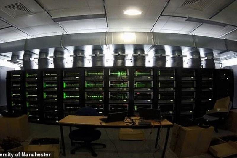 Әлемдегі ең үлкен суперкомпьютер іске қосылды - Daily Mail