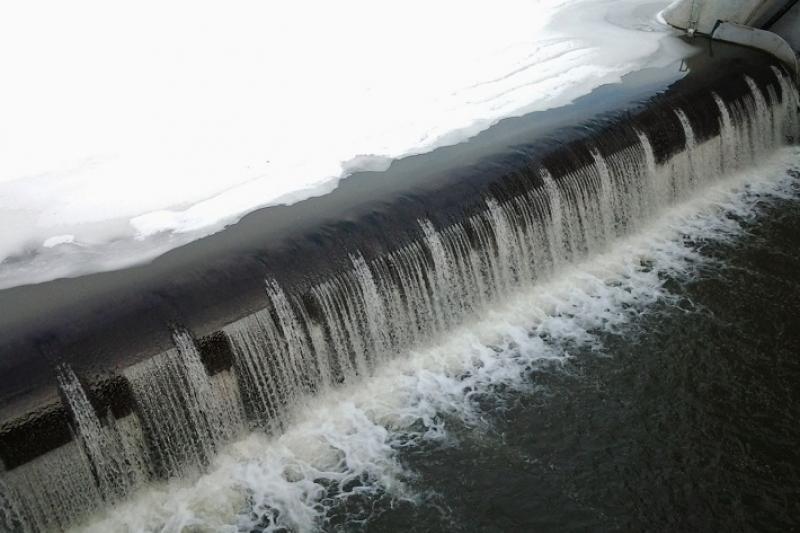 К возможным паводкам готовят плотины павлодарские спасатели