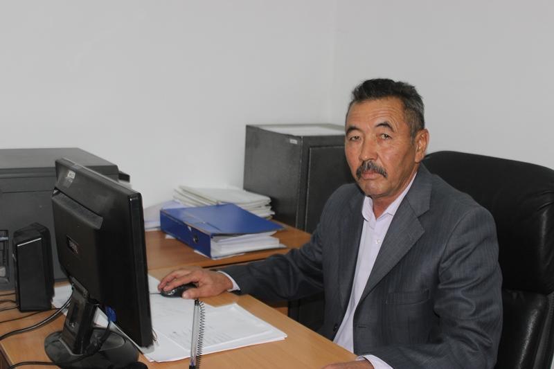 Лучшим наставником молодежи в Жамбылской области выбран ветеринар Муратали Джургараев