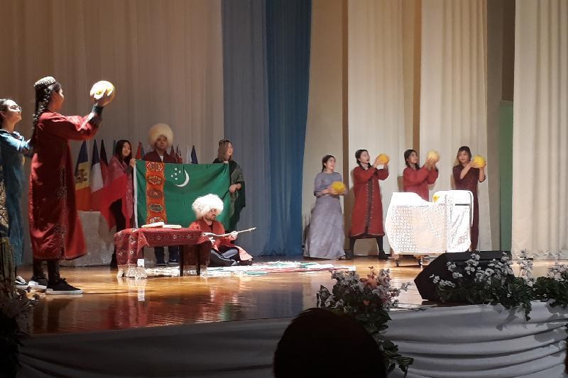 Астанада «Түрікменстан: кеше және бүгін» көрмесі өтті