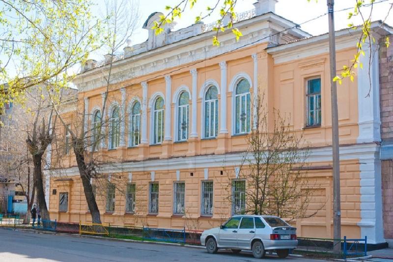 Выставку редких книг на латинице открыли в Усть-Каменогорске
