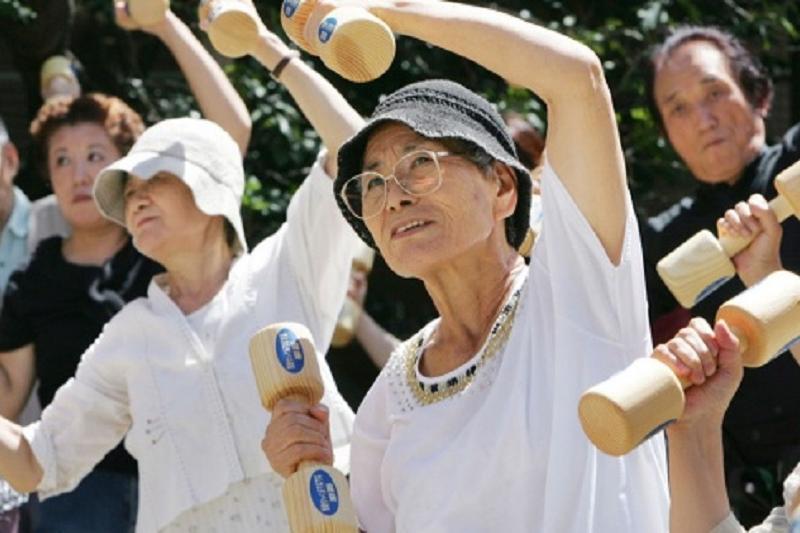 В Японии планируют повысить пенсионный возраст до 70 лет